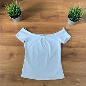 EXPRESS keyhole stretch fitted tee